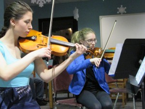 Violinists Cayleen Balbo and Ashley Catanzarite playing Kashmir